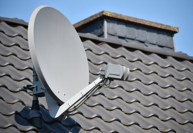 Satelita na dachu